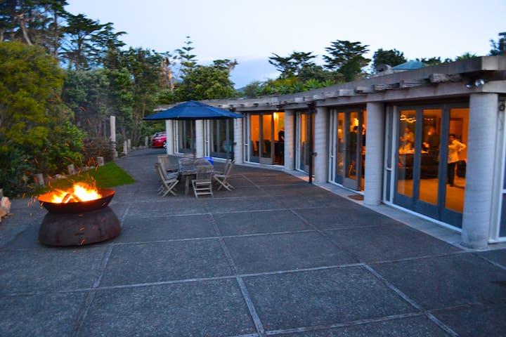 Ahu Ahu Beach Villas, Oraukawa Lodge