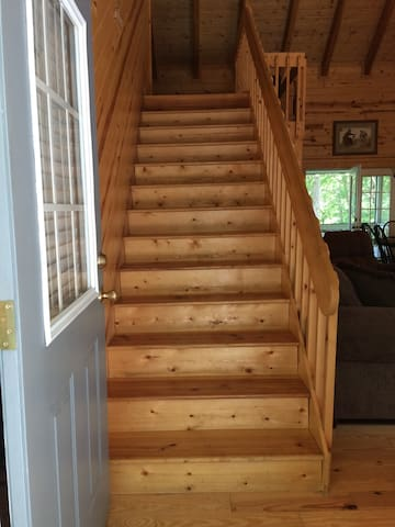 *NO GUEST SERVICE FEE* Pine Cabin at Blairsville