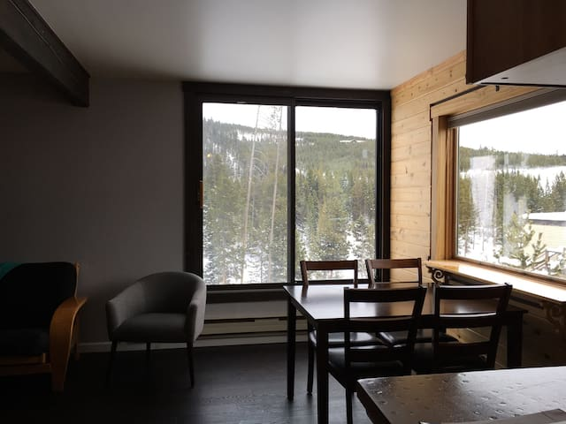 Clean Big Sky Studio, Walk or Shuttle to Resort! - Big Sky - Condominio