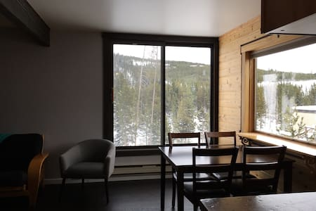 Clean, Updated Big Sky Studio, Walk to Resort! - Big Sky