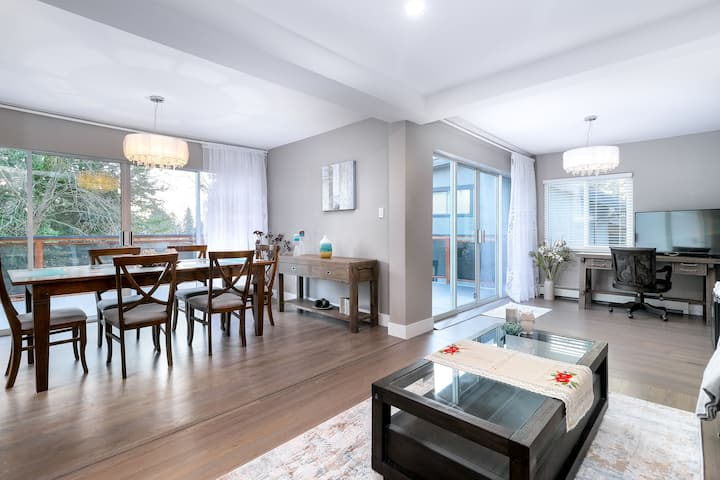 West Vancouver Family, modern, quiet, near ocean !