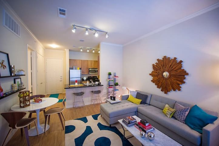 Luxury 1BR w/ pool, gym and more in Plano