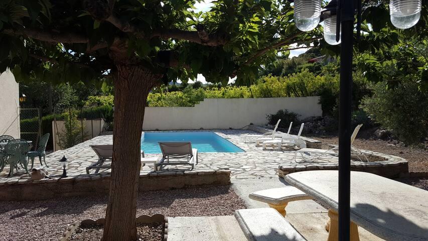 La Cachette - Large family villa with private pool