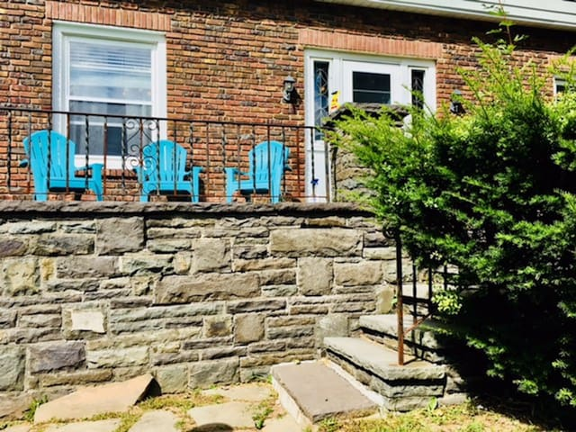 Traditional House*3 Br 2.5 Bath*In Town*