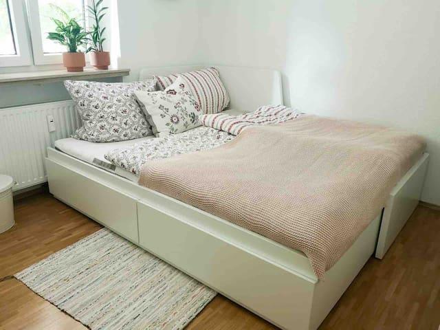 Private Bedroom in Munich, 20 min to Marienplatz