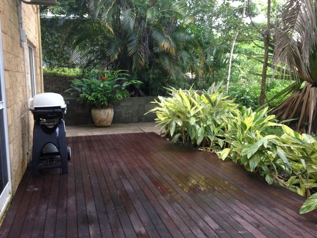 Spacious self contained room with your own deck - Mossman Gorge