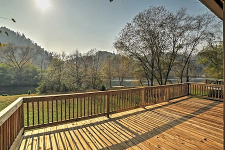 Peaceful 2BR Reliance Cabin w/River Views! - Reliance - Kabin