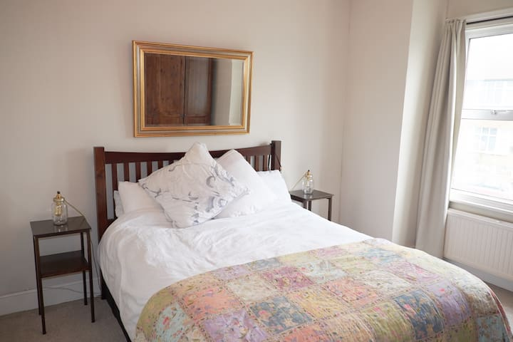 Spacious double room in Edwardian house - Londyn - Dom