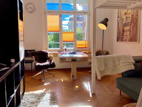 Sunny room, super central, 5min walk Bern station