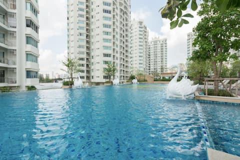 Luxury Stay Heart of BKK @ Rachada MRT
