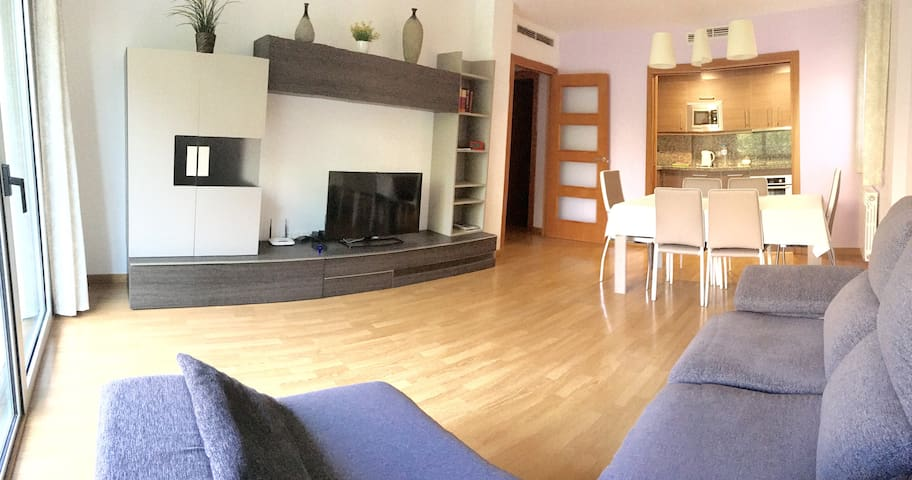 A Cozy Apartment, only a 10 kilometer trip to downtown Barcelona.