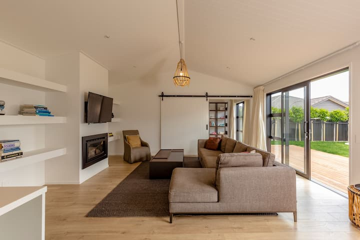 Stunning brand new 3 bedroom Queenstown Home