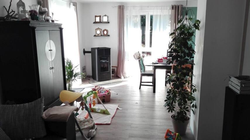 Freistehendes Haus in verkehrsberuhigter Zone