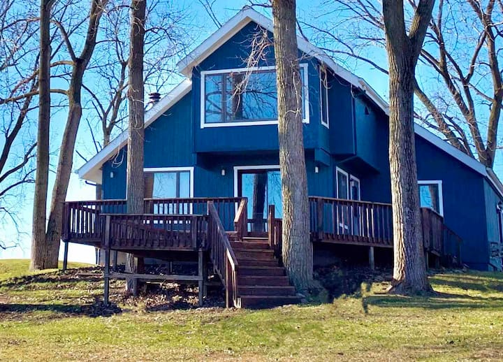 Lake Front Cottage 13 miles from Purdue University