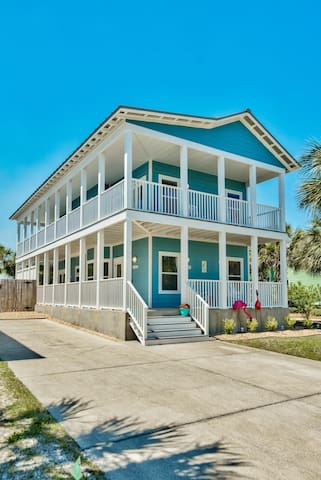 Namaste Beaches ~ Fabulous newly decorated home w/ Private Pool & Just one block to beach!!!