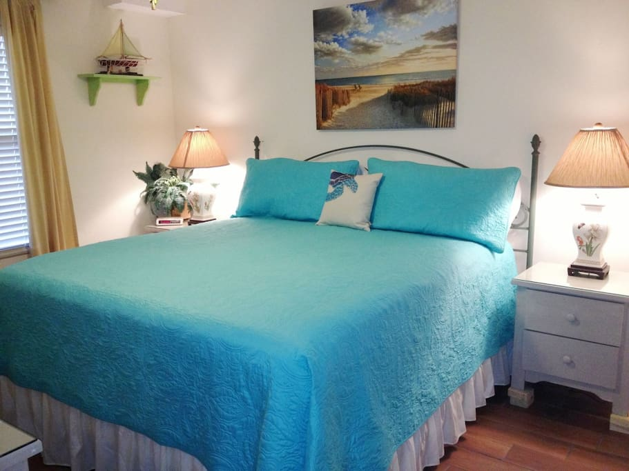 Sleep late in the beautifully decorated Master Bedroom with King Bed.