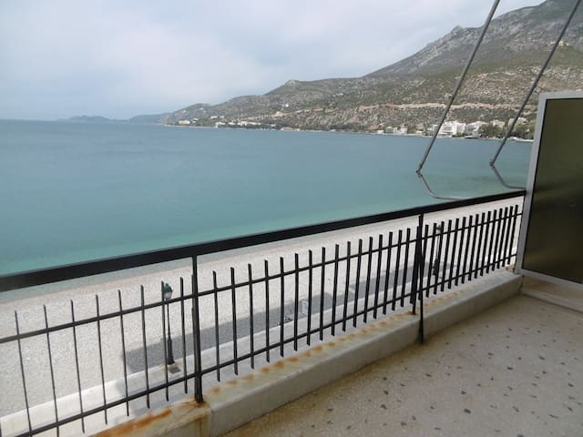 Loutraki beach view - Loutraki - Appartamento
