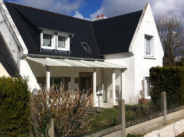 Maison au calme proche centre ville - Plestin-les-Grèves - Huis