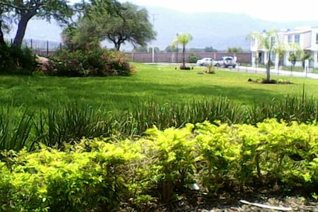 Casa de descanso!!!Zona exclusiva - Parque Industrial Cuautla - Hus