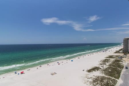 Ocean View Beach Life, Spacious Condo by the SEA - Társasház
