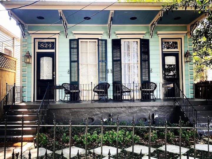 Explore NOLA from this lovely private studio.