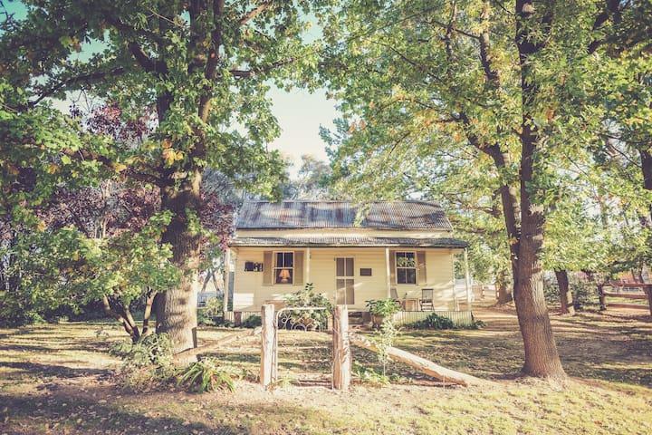 Mayfield Vineyard Settler's Cottage