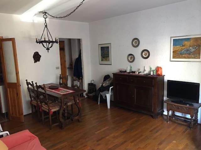 Grazioso bilocale - Beaulard - Lägenhet