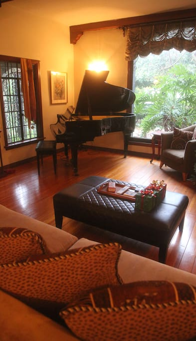 Living Room & Piano