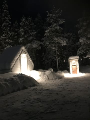 Sleeping cabin close to Ice hotel