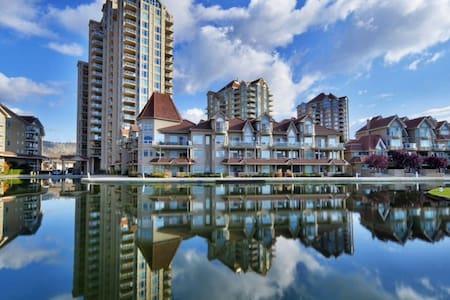 DT Waterfront Resort! Large Spacious Condo / Pool