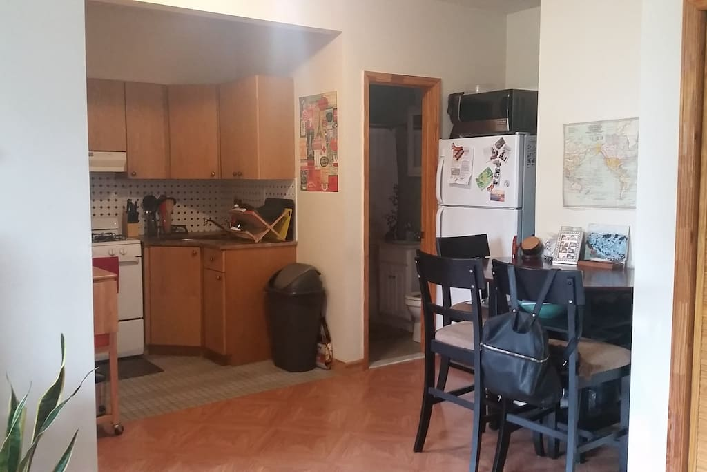 "Kitchen/Bathroom/""Dining Room"""