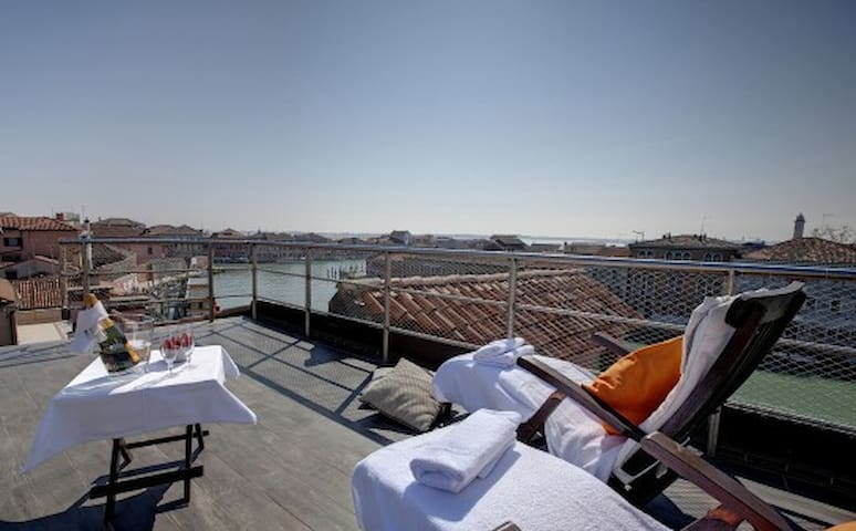 EXCLUSIVE | MURANO Suites - ACQUAMARE