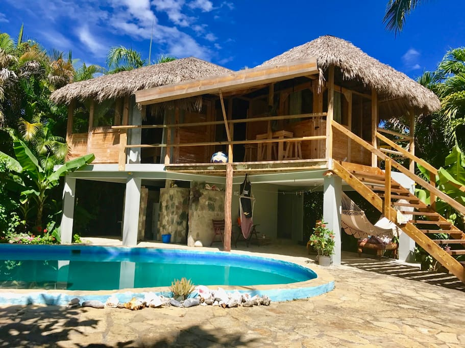 Private room in modern Cabarete villa with kitesurfing lessons for beginners