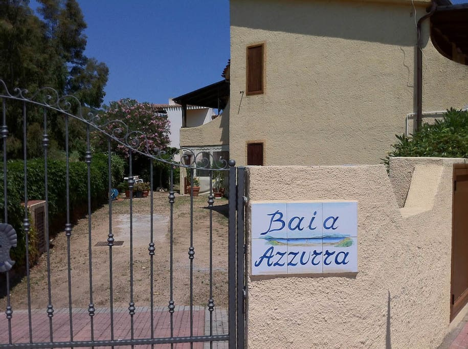The flat is part of the small complex Baia Azzurra