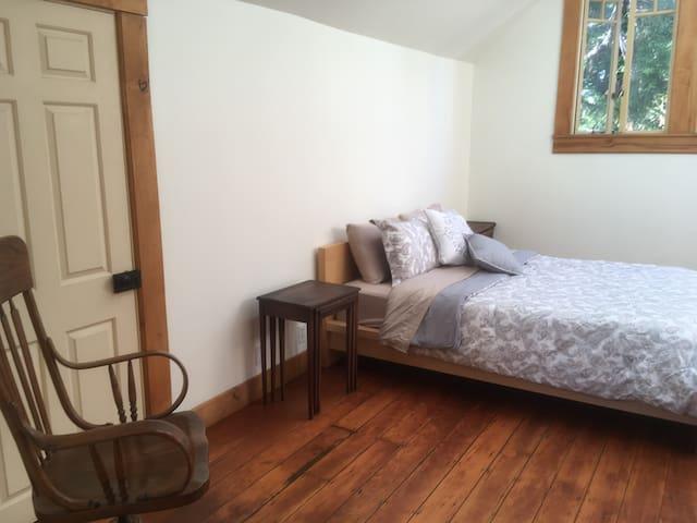North side bedroom