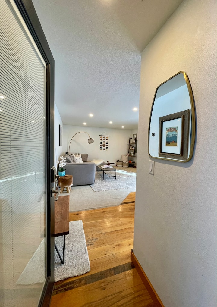 Immaculate Modern Condo in the heart of Jackson!