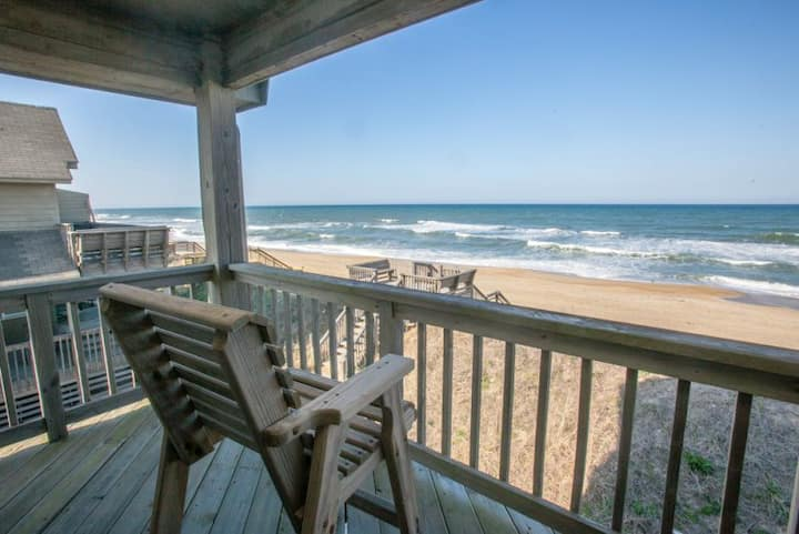 PW20 Sea View * Oceanfront * Community Pool * Walk to Restaurants, Shops & Fishing Pier