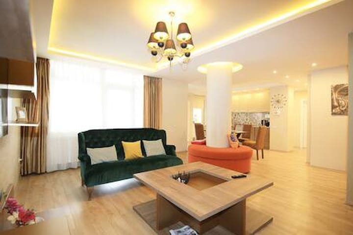 Luxury place close to city center