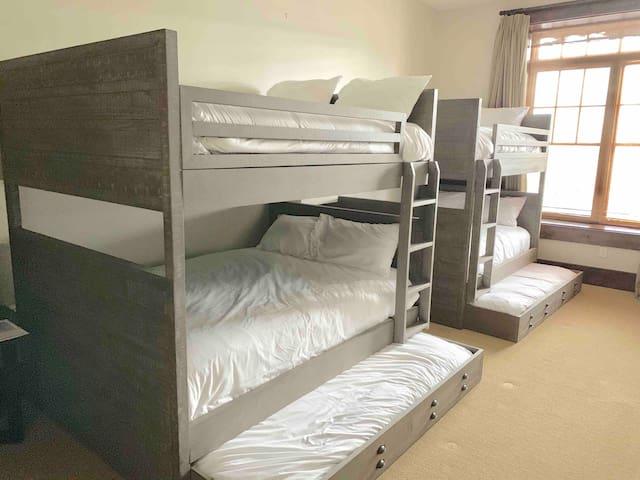 FULL sized bunks. All 6 mattresses are FULL size.