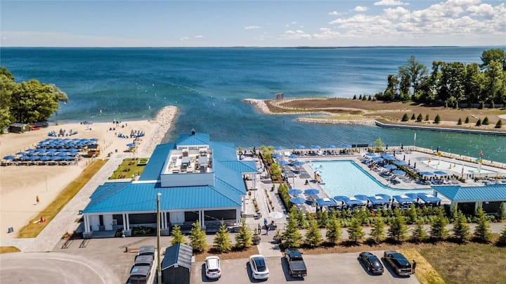 Two split Bedroom, two bath-Friday Harbour Resort