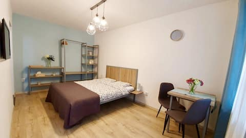 Cosy Privat 1 Room Apartment- with AC