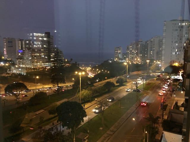 Cómodo departamento con vista al mar en Miraflores