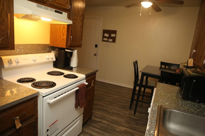 2 bed/ 1 bath next to Ft. Sill