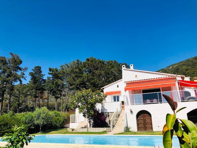 Charmante villa avec magnifique vue mer et piscine