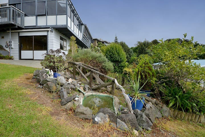 Pukenui House , Great Beaches & Attractions.
