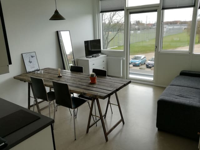 Modern flat by lake -center of town - slagelse - Departamento