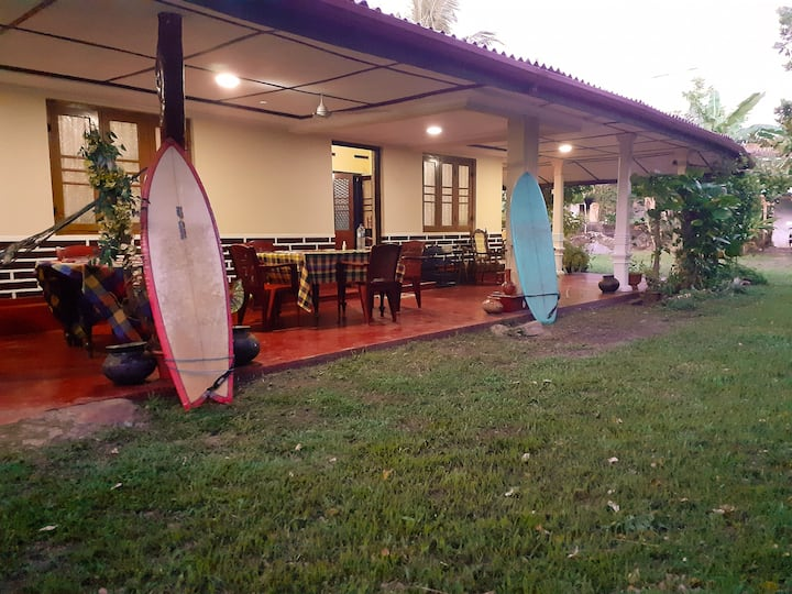 Dreams Garden Surf Lodge  (Twin Bedroom)