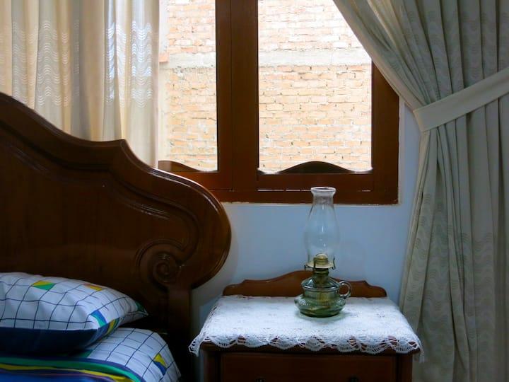 Acogedora habitación en casa cajamarquina