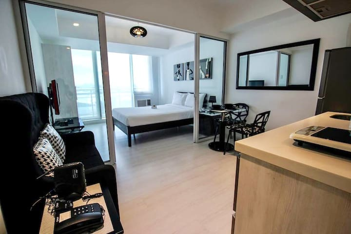 1BR Staycation in Paradise (Manila) @AZURE - Parañaque - Huoneisto