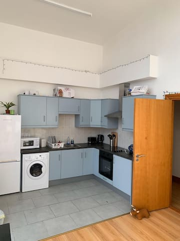Family 2 bed apartment Letterkenny/free parking